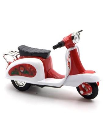 Motor metalni Vespa Color, metalni model popularnog motora Vespe, veličine 12 centimetara.