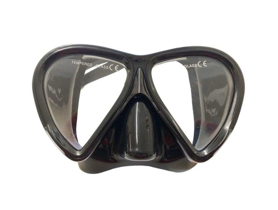 Maska silikonska za ronjenje, Shell Senior Crna. Kvalitena maska od silikona i temperirano staklo za ronjenje i promatranje morskog dna. Veličina maske je za odraslu osobu.