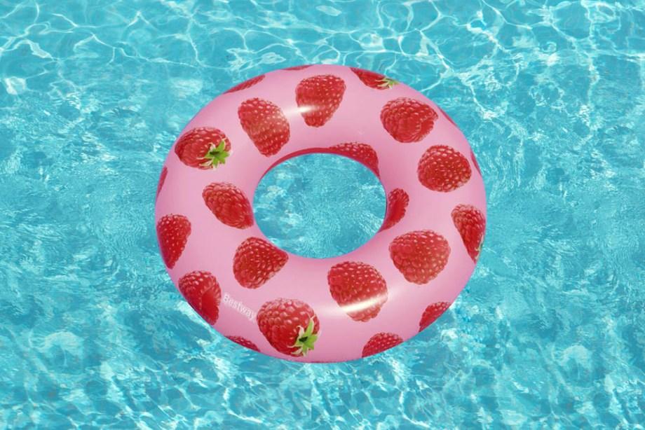 Kolut na napuhavanje sa slikom i mirisom maline 119cm. Ovaj prekrasan kolut za plivanje na napuhavanje pružiti će Vam sate zabave na moru ili u bazenu.