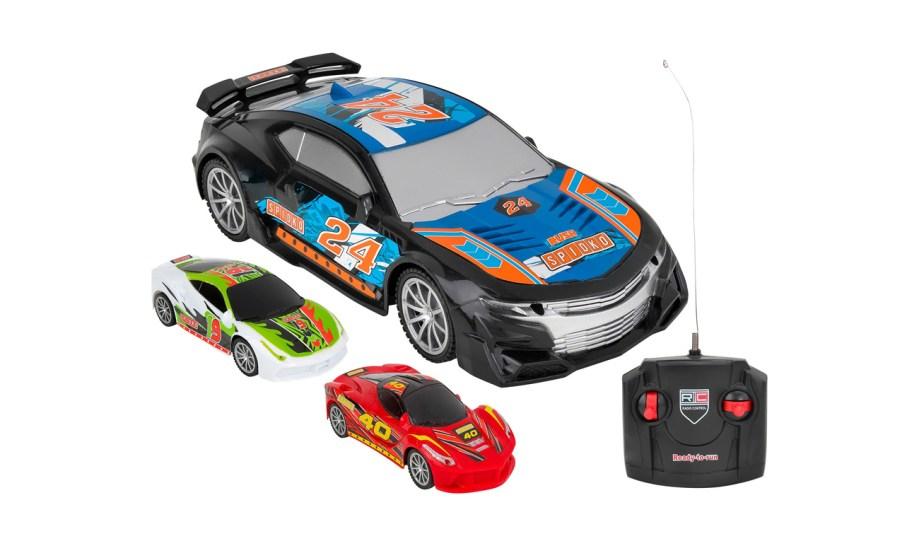 Auto na daljinski Racing Car, 3 boje. Ovaj model auta na daljinsko upravljanje idealan je za sve ljubitelje utrka. Ima mogućnost kretanja u svim smjerovima.