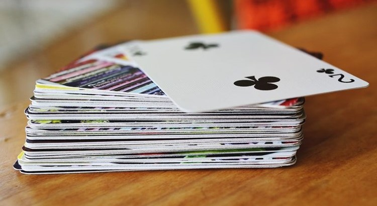 Что можно сделать из старых игральных карт