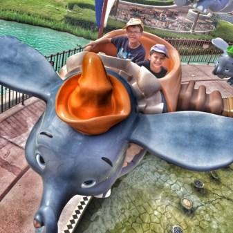 Disneyland Paris Isaac Toby Dumbo ride