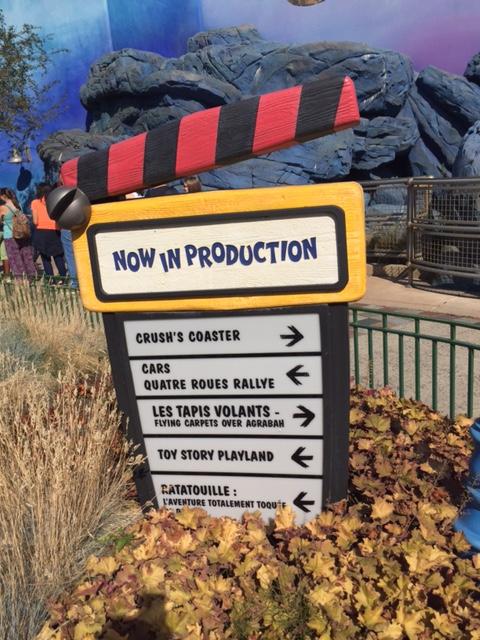 Disneyland Paris sign