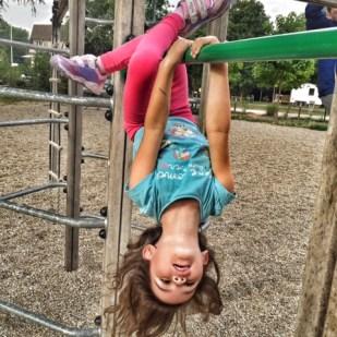 Kara hanging