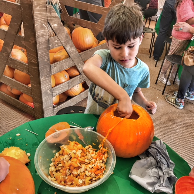 Butlins Bognor Regis 2017 Toby pumpkin carving