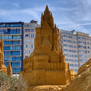Ostend beach sand sculpture