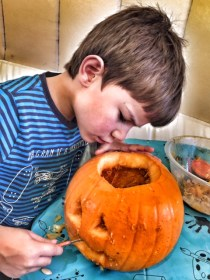 toby-butlins-pumpkin-carving
