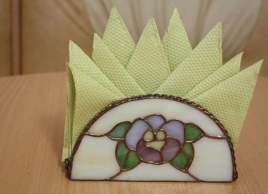 """Crown"" από χαρτοπετσέτες ή ανεμιστήρα"