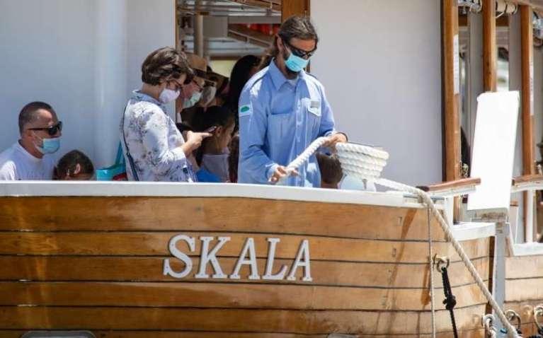 Na Hrvaškem več kot 200 novih okužb, največ v Dalmaciji