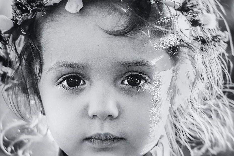 4 težave, ki jih doživljajo ljudje, ki so odraščali v pomanjkanju ljubezni