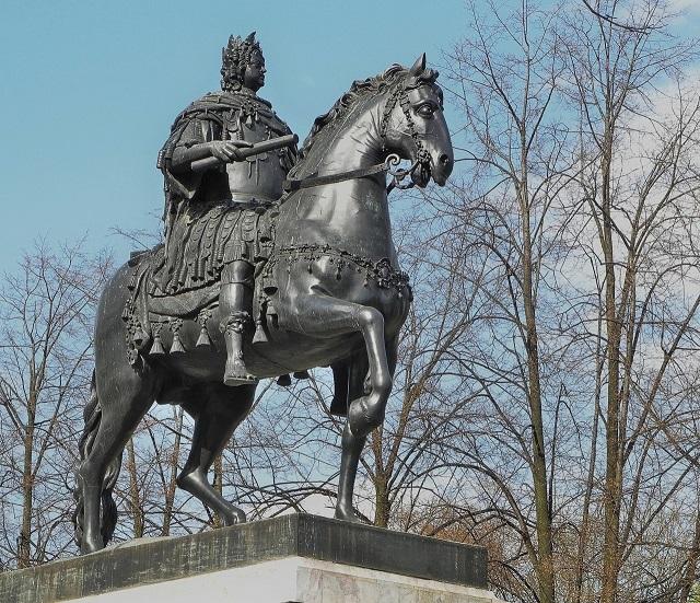 Бартоломео Карло Растрелли. Памятник Петру I у Михайловского замка.