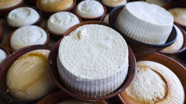 Ricotta obtained from the same milk and serum as the maiorchino