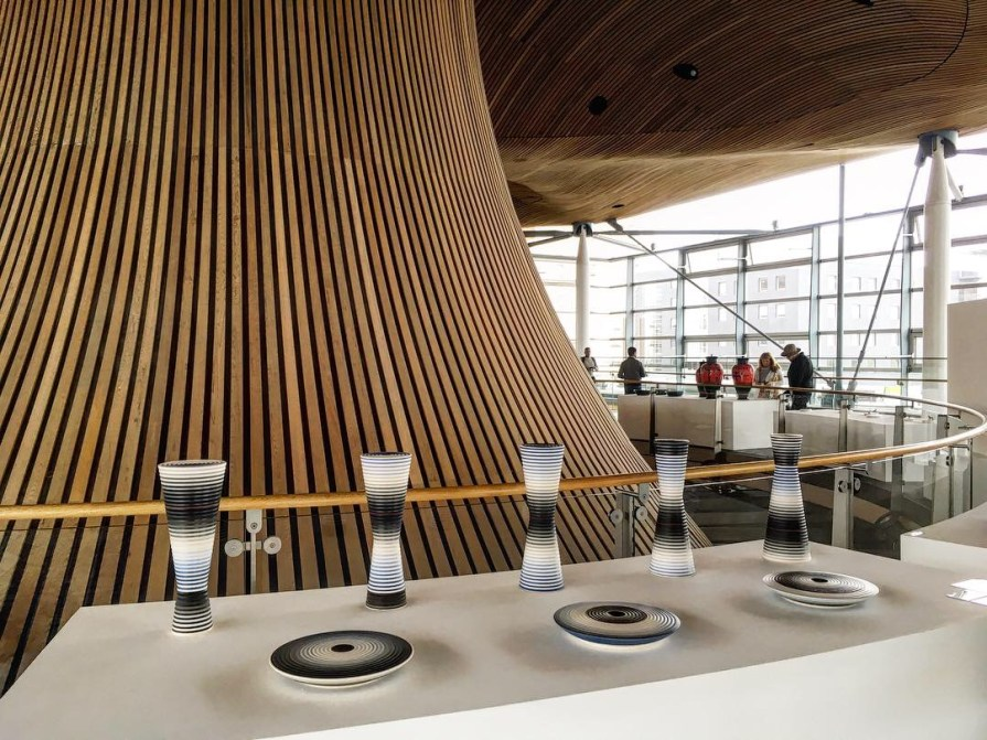 Cardiff Bay Assemblee Nationale Pays de Galles Lampes