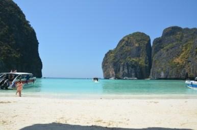Am prins un moment în care era o 'fereastră' deschisă. :) Maya Beach, Koh Phi Phi. Photo: ©SLOWAHOLIC