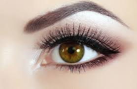 Get the brows you desire with Eyebrow Sculpting with Beauty By Natalie.