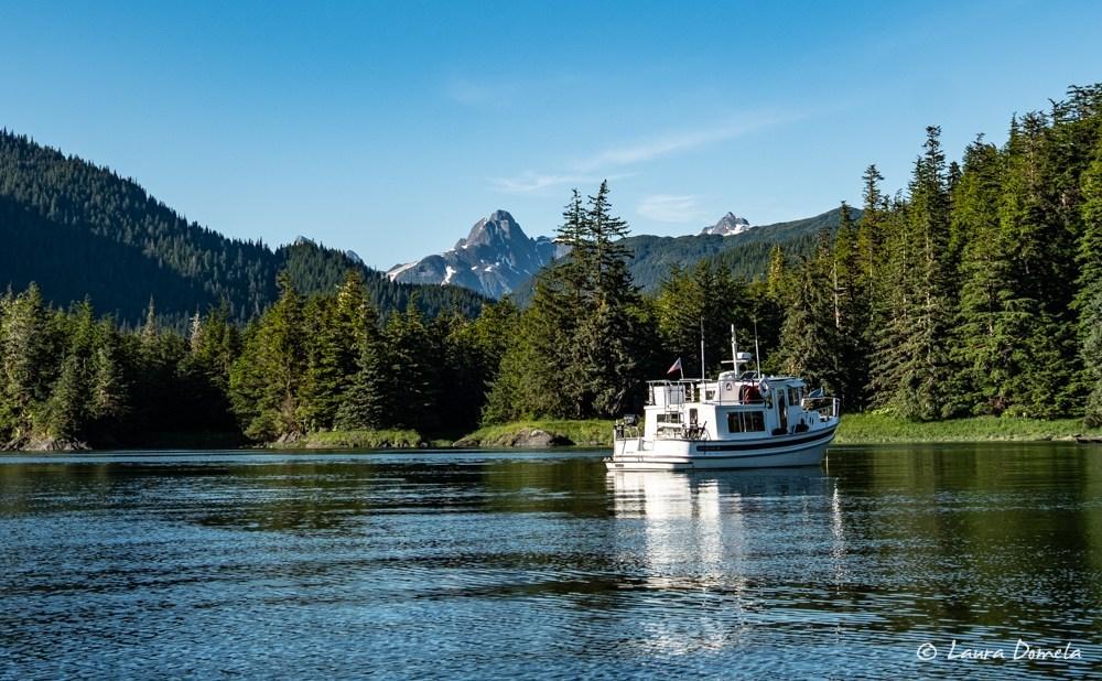 Airship anchored in Berg Bay