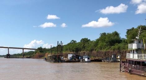 river waiting for motor.JPG