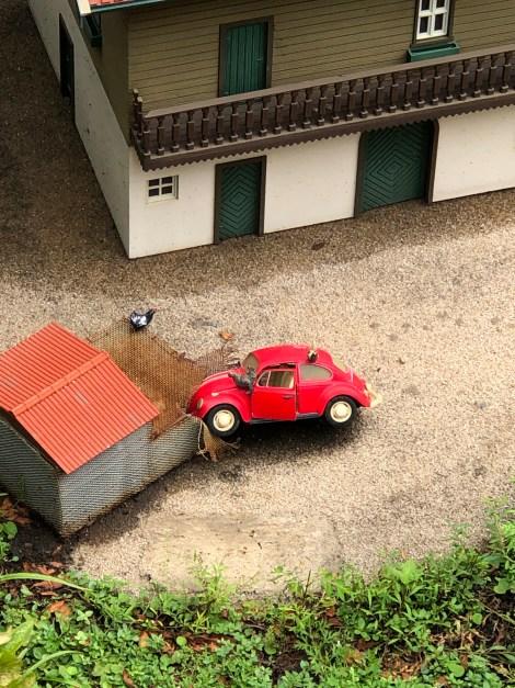 mini mundo car wreck