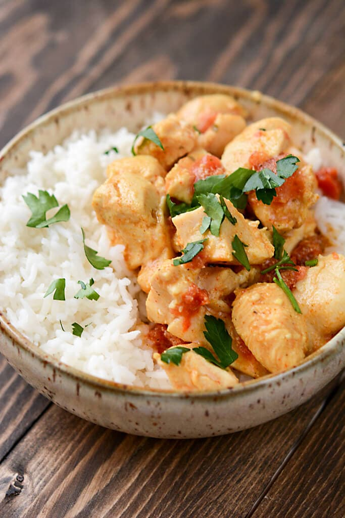 Slow Cooker Red Curry Almond Chicken - Slow Cooker Gourmet