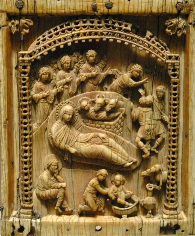 Scenes from the life of Jesus Christ, triptych. Constantinople, late 10th century, ivory.nr2