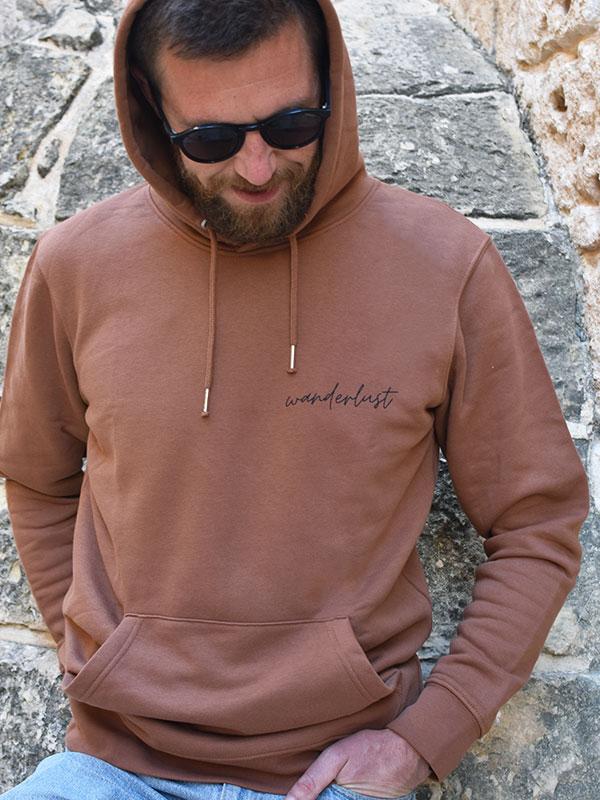 nachhaltiger-pullover-hoodie-wanderlust-1-slowli