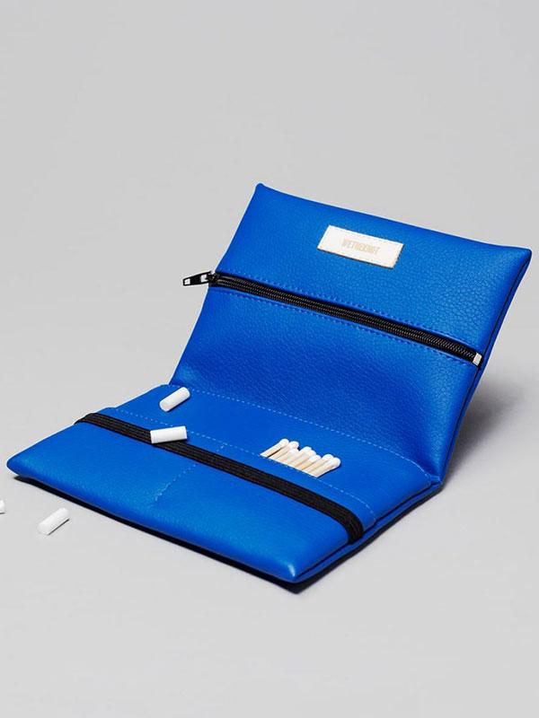 wetheknot-nachhaltig-vegan-leder-pouch-tasche-tabakbeutel-blau-2-slowli