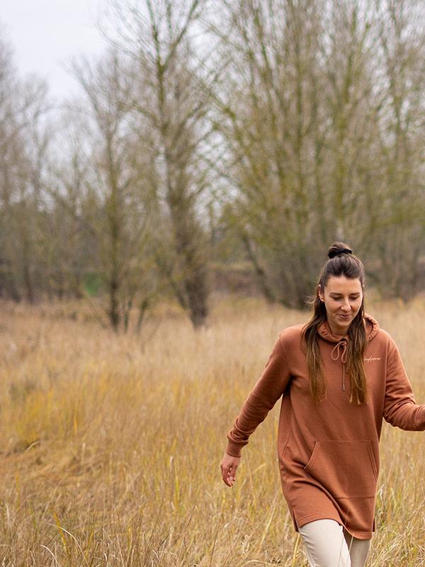 nachhaltiges-hoodie-kleid-daydreamer-slowli_1