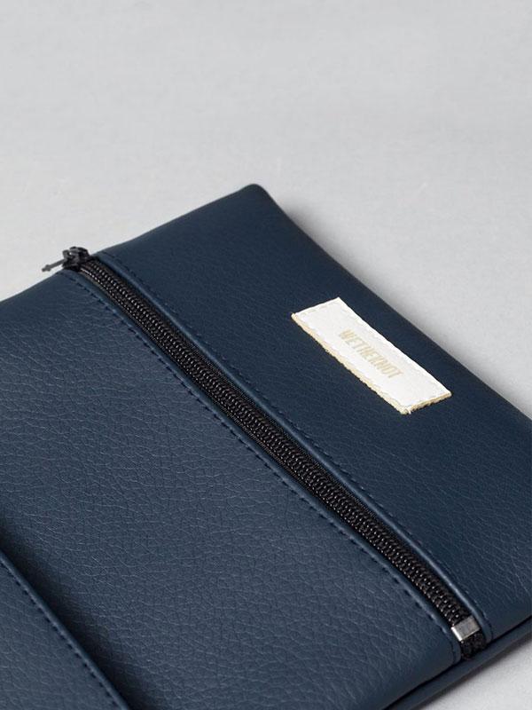 wetheknot-essential-pouch-darkblue-vegan-leather-1_slowli