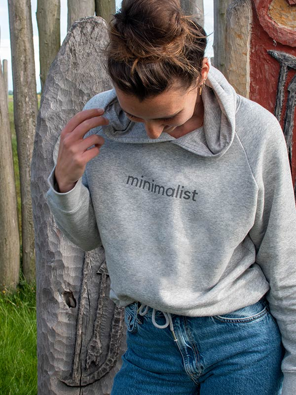 nachhaltiger-Hoodie-fair-fashion-pullover-minimalist-grau-slowli-7