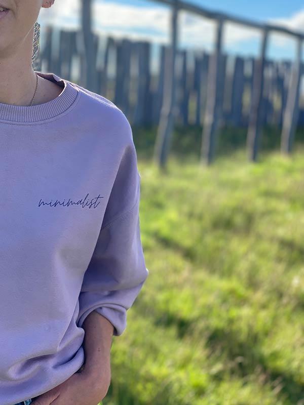 nachhaltiger-Pullover-minimalist-lila-fair-fashion-slowli_9