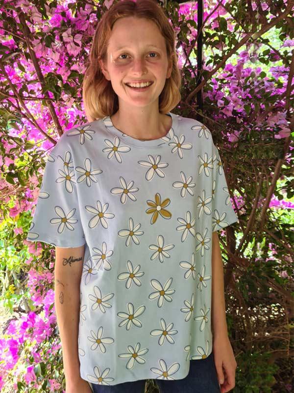 prettycasual-baby-blue-big-daisy-baggy-t-shirt-faires-shirt-slowli