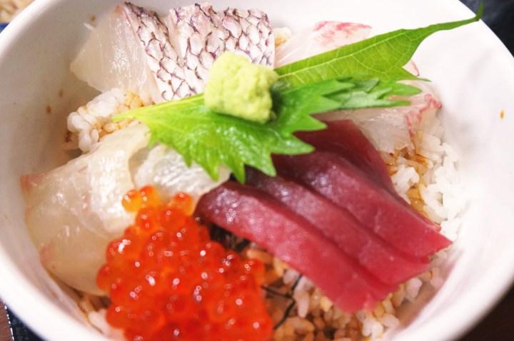 海鮮食堂魚増 海鮮丼