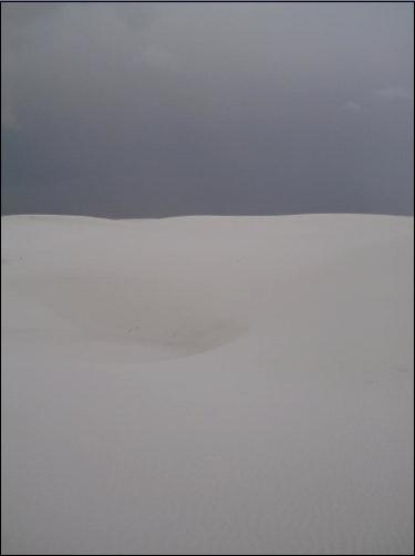 white_sand_gray_sky