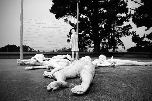 혐오발언의 피해자는 누구인가? 그 피해자들은 다수의 묵인과 동조에 의해 인격 자체를 박탈당하고 있는데, 한가하게 표현의 자유만을 논하는가?  (사진: ilmungo, CC BY NC SA)