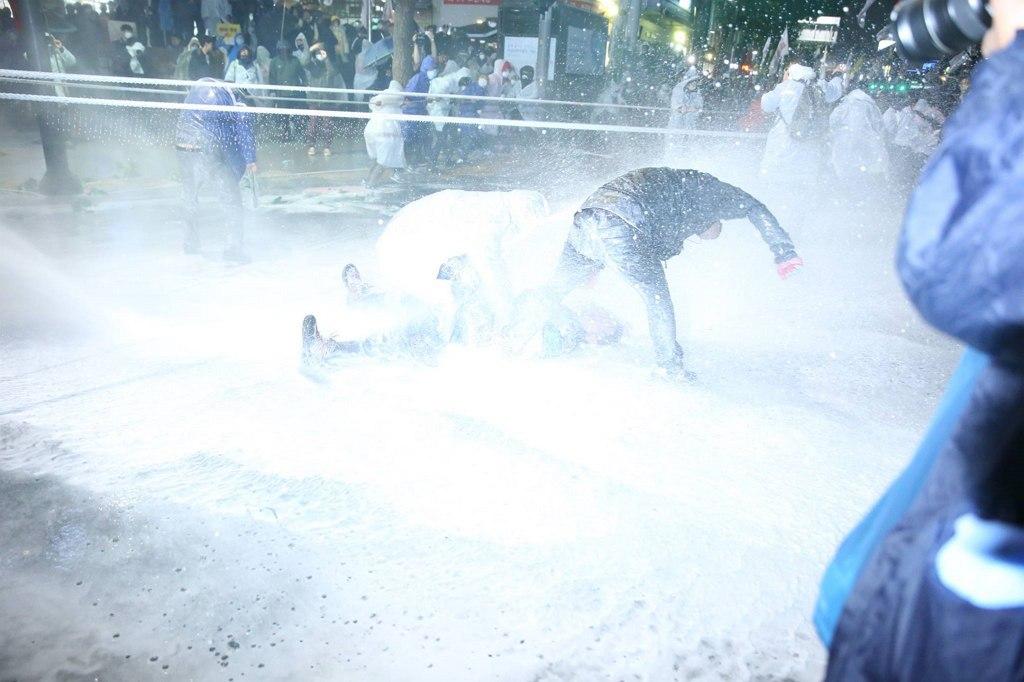 2015년 11월 14일, 대한민국 서울에서 있었던 민중총궐기 현장 (공무원 U신문 제공) http://slownews.kr/48024