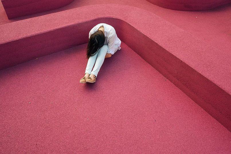 고민 여자 사람 좌절 슬픔