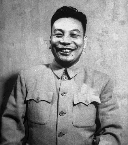 장제스의 아들로 1978년부터 사망할 때까지 중화민국의 총통을 지낸 장징궈(정체: 蔣經國, 간체: 蒋经国, 1910년 ~ 1988년)