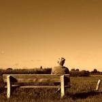 노인 고독 외로움 슬픔 눈물 회상 과거 기억