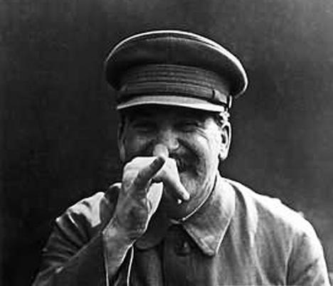 스탈린은 이념을 앞세운 교조주의자가 아니라 실질적인 권력의 역학에 민감한 현실주의자였다.