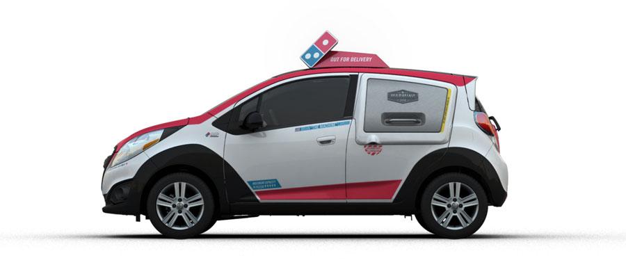 도미노피자가 선보였던 피자 전용 배달 차량인 도미노 DXP