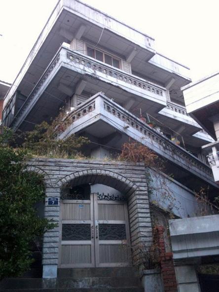 합성이 아닙니다! 층별로 방향이 다른 집. (옥수동 트러스트) http://probable.kr/oksutrust/