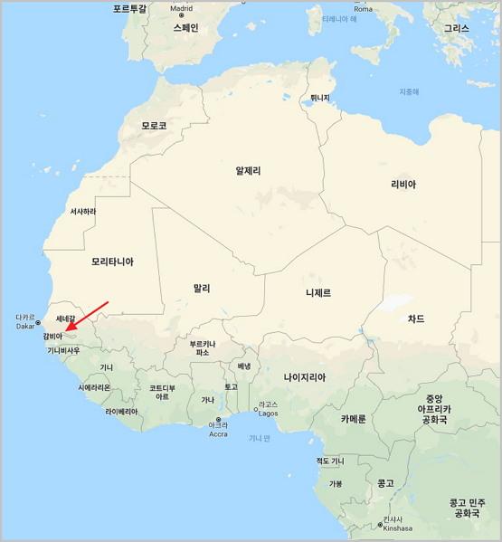 아프리카의 소국 감비아 (화살표)