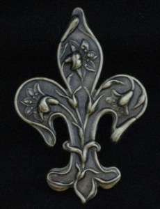 New Orleans Louisiana Antiqued Fleur de Lis Lily Pin