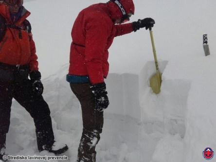 2017-04-08 Test stability snehovej porkývky v Lomnickom sedle
