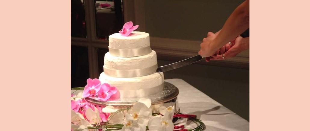 Dzielenie tortu weselnego