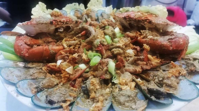 Lariza's Seafood Adobo