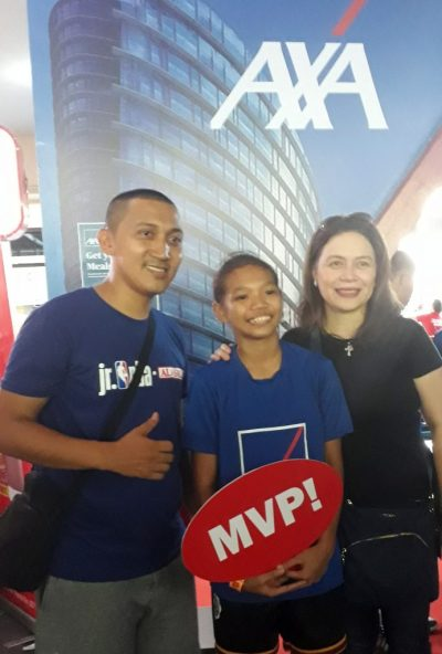 Jr. NBA finalist Jam Lachica (center) with AXA chief customer officer Amor Balagtas (right) and coach Dick Gawat