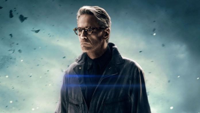 Liga da Justiça Jeremy Irons Alfred