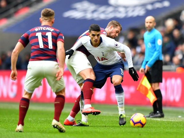 Erik Lamela tries to break clear in Tottenham Hotspur's Premier League meeting with Newcastle United on February 2, 2019