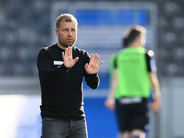Arminia Bielefeld coach Frank Kramer reacts on May 9, 2021